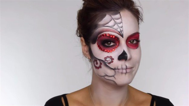 Easy Day Of The Dead Makeup Tutorial Perfect For Halloween Makeup - How-to-do-day-of-the-dead-makeup