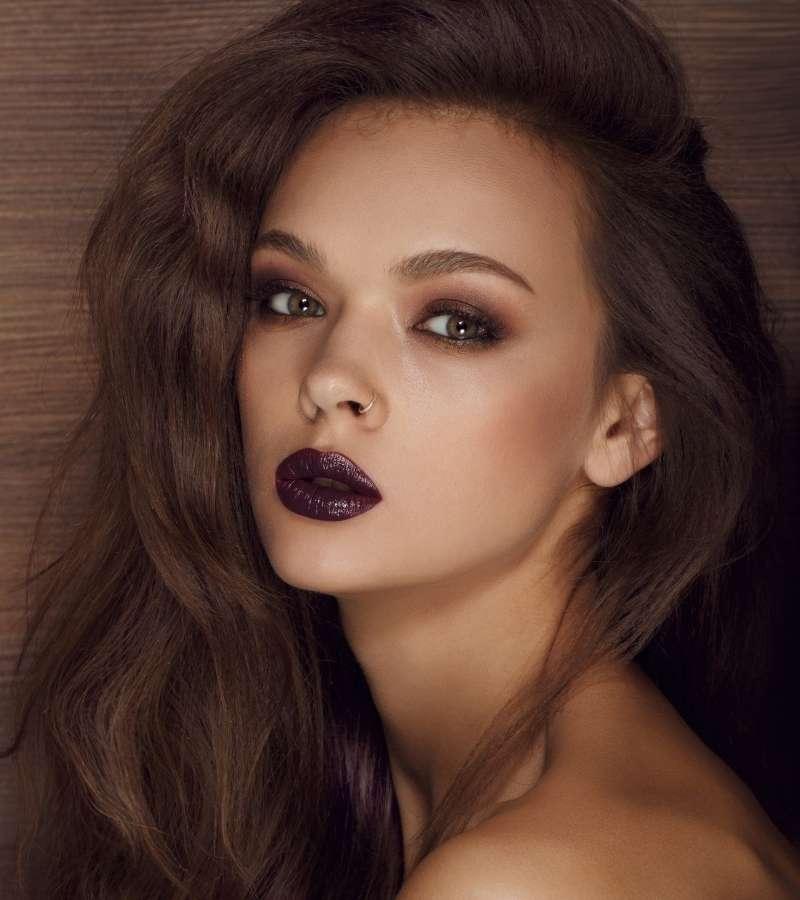 MADBQU6KlqM-woman-portrait-with-dark-lips   grunge aesthetic