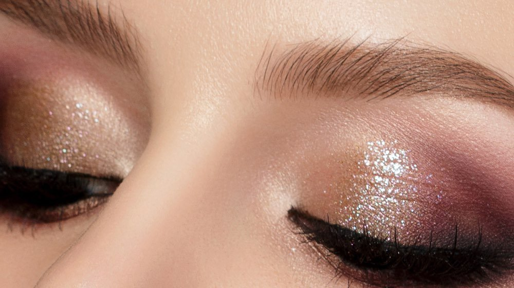 Pink and gold multicolored smokey eyes | Sparkly Eyes Makeup Tutorial You Can Do In 5 Minutes | sparkly eye makeup tutorial | Featured