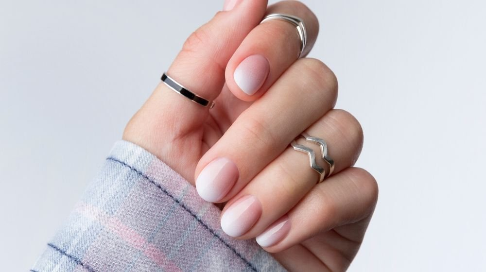 Short Polished Nails | Stunning Ombre French Nails You Need In Your Life | Featured